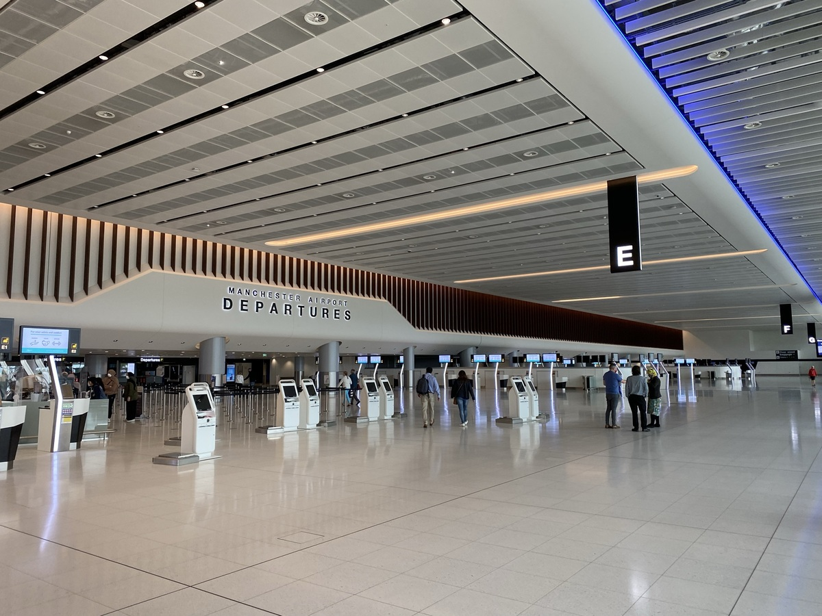 Manchester T2 departures