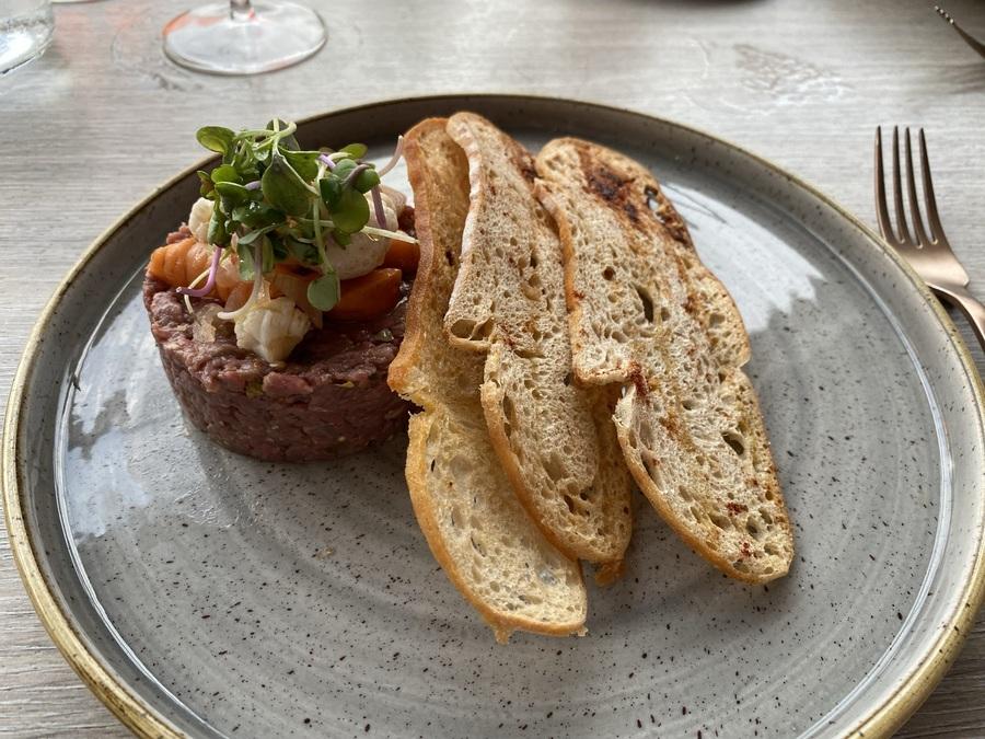 W Barcelona Fire steak tartare