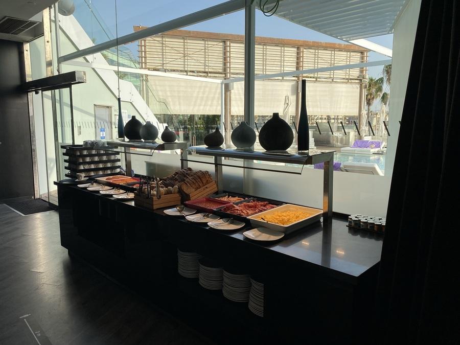 W Barcelona breakfast buffet hot