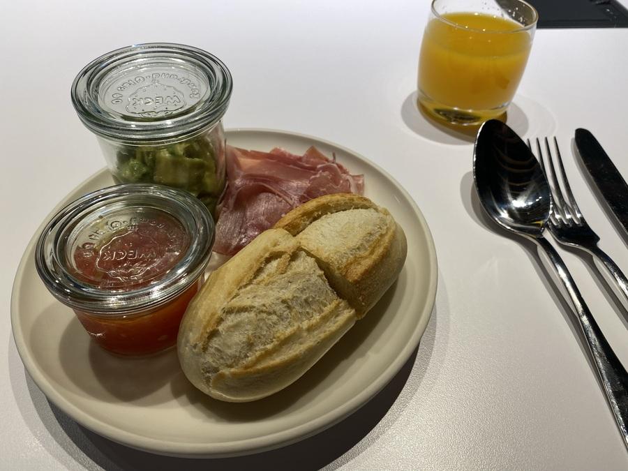 Aloft Madrid Gran Via breakfast