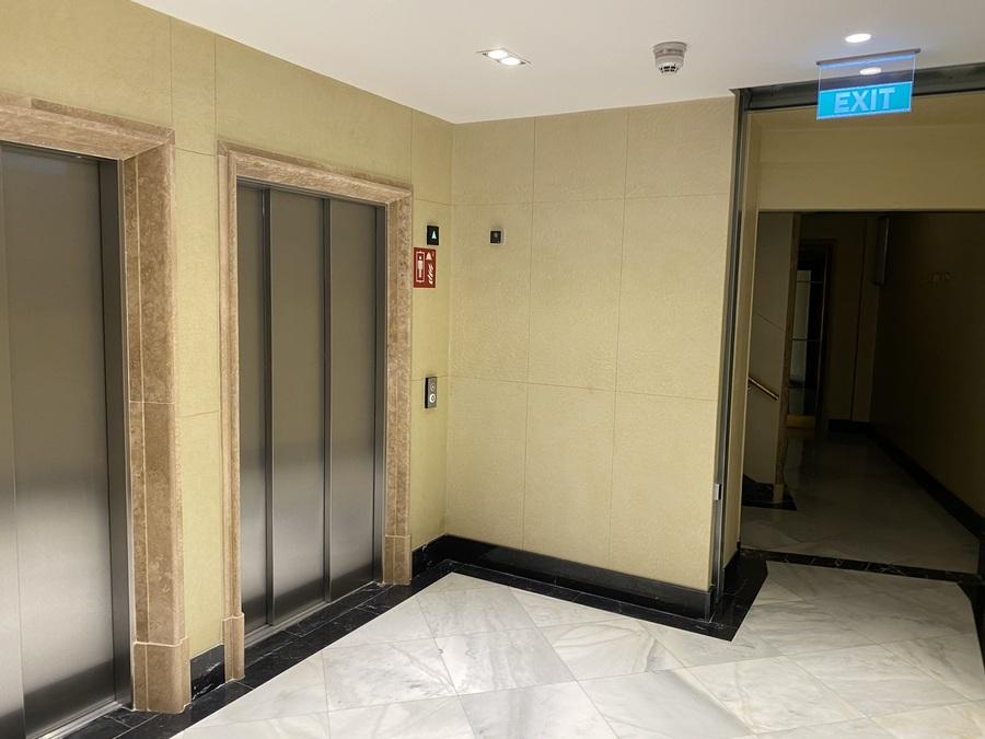 Aloft Madrid Gran Via lifts