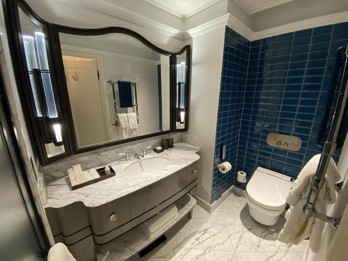 Great Scotland Yard Hotel bathroom