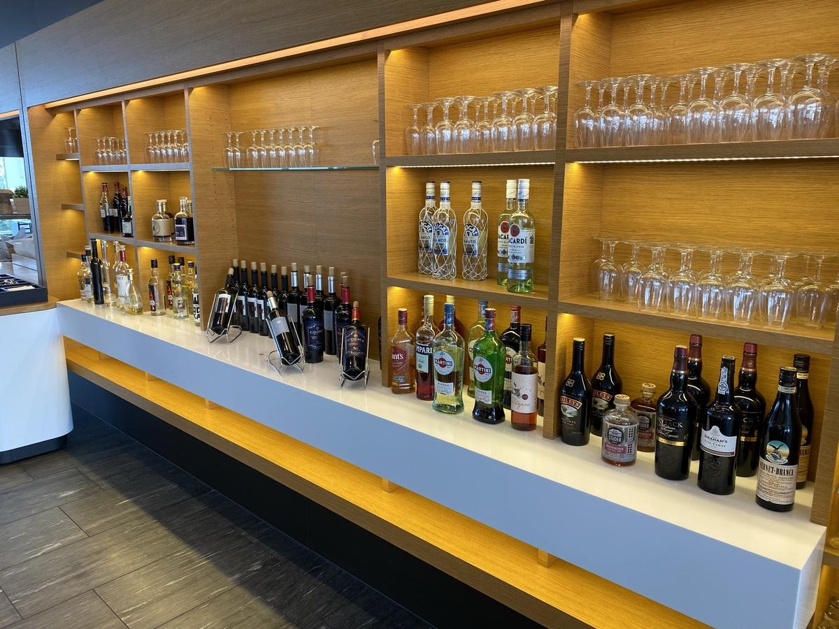 SWISS Senator Lounge Zurich alcohol