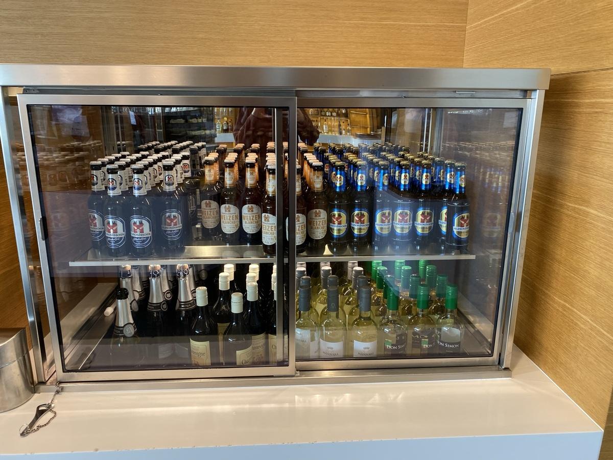 SWISS Senator Lounge Zurich beer wine